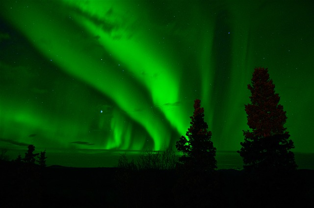 aurora-borealis-744351_640.jpg