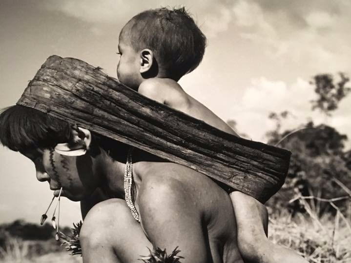 Como carregar seu bebê com aconchego e conforto