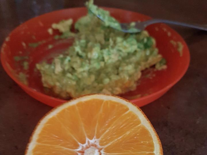 Papinha de abacate amassado
