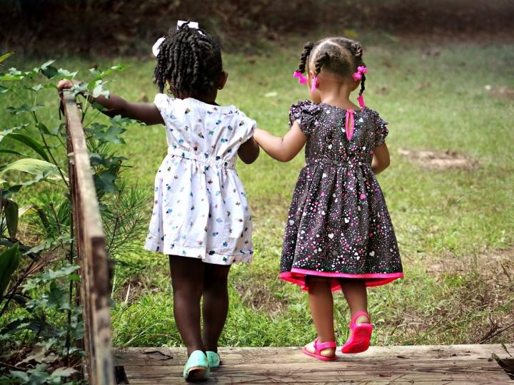 Onde é mais fácil crescer quando se nasce mulher?